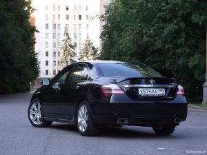 Honda Legend 3.7